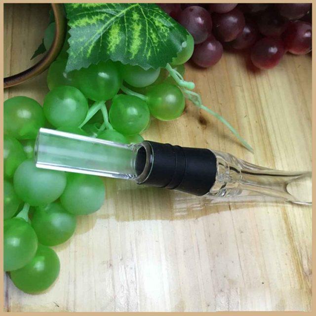Straight Wine Aerating Pourer